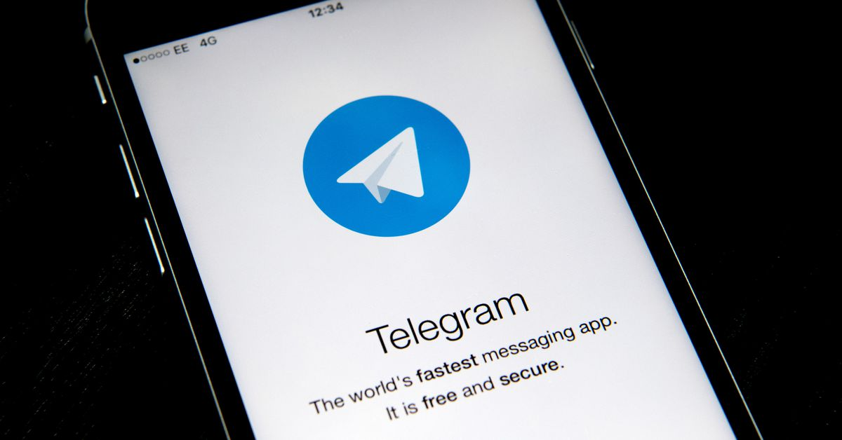 Russia orders Telegram to hand...