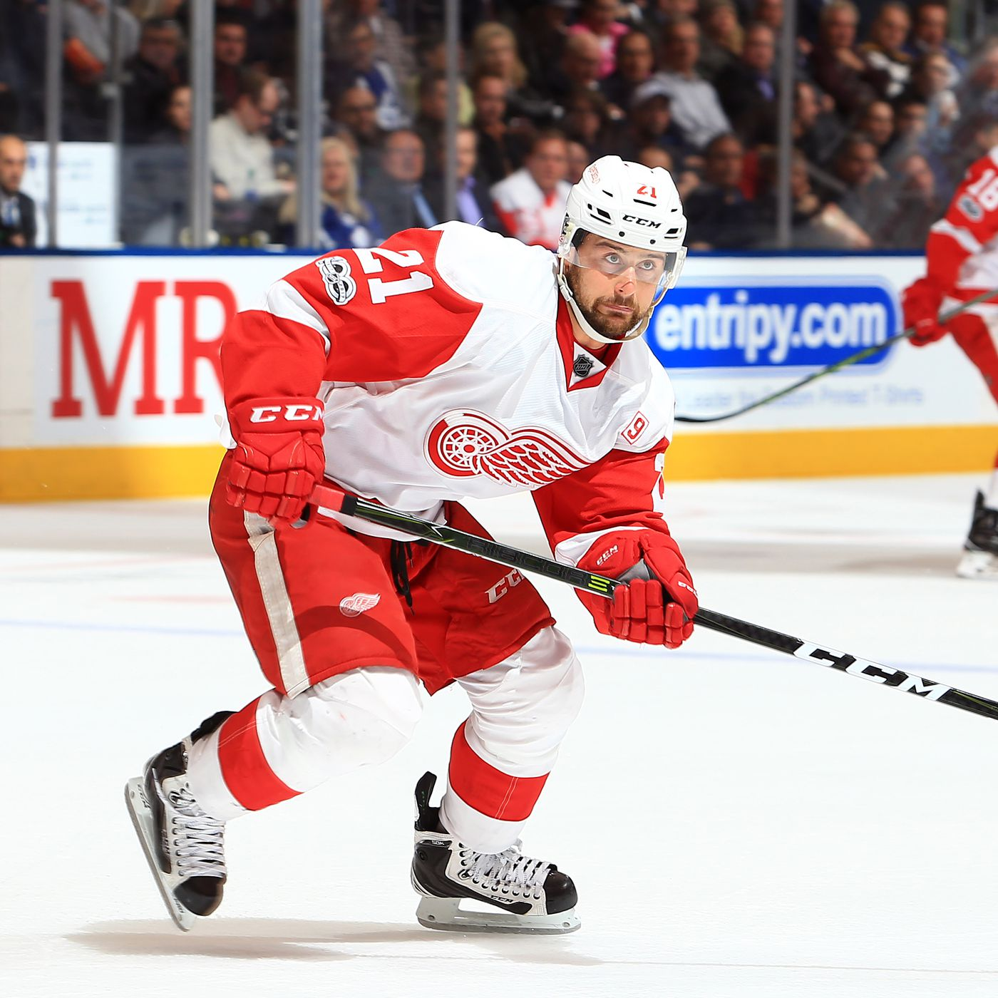Tomas Tatar Arbitration Ask 5 3m Red Wings Offer 4 1m Winging It In Motown