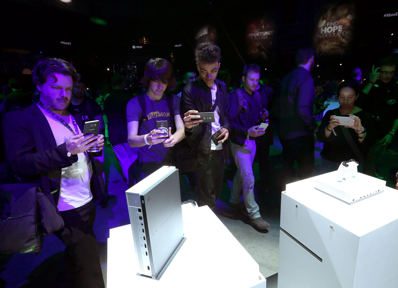 Xbox One S at MSFT showcase, E3 2016