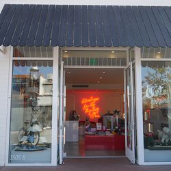 Charming sog boutique Charlie and Me.