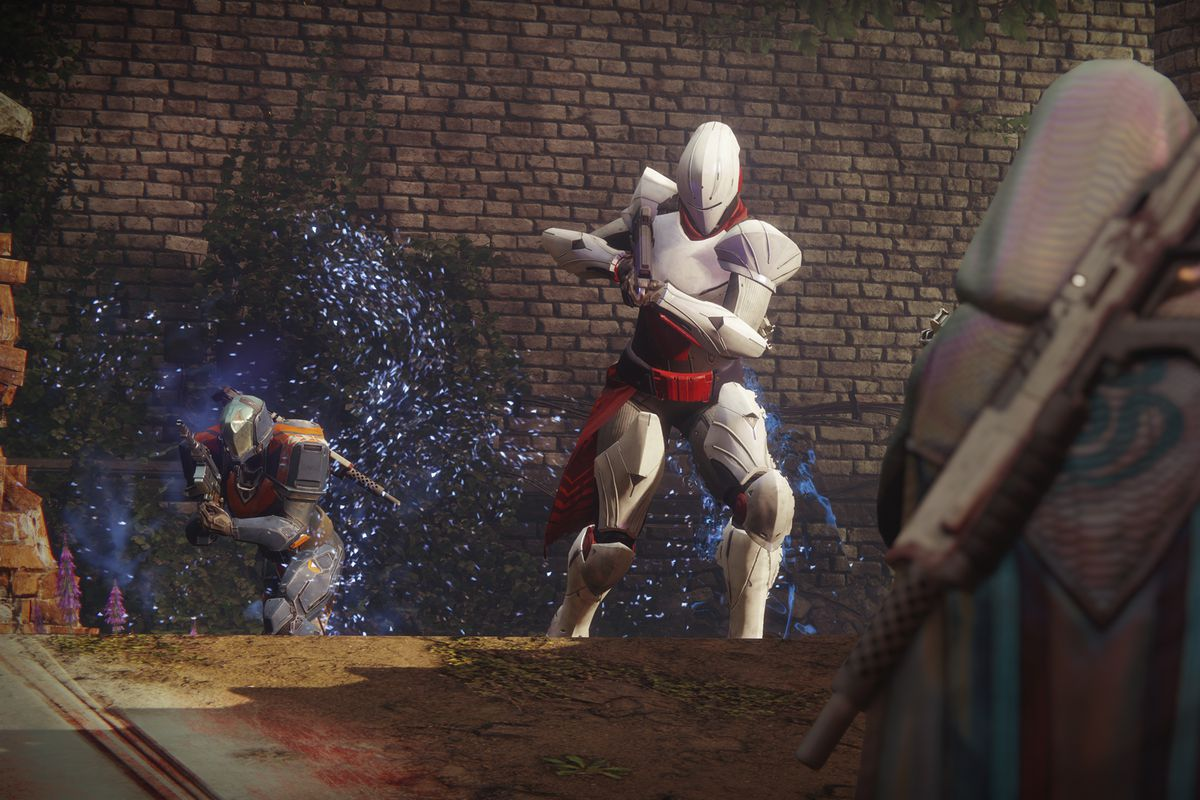 Destiny 2 - one Guardian fighting two others in Crucible action on Legion's Gulch map