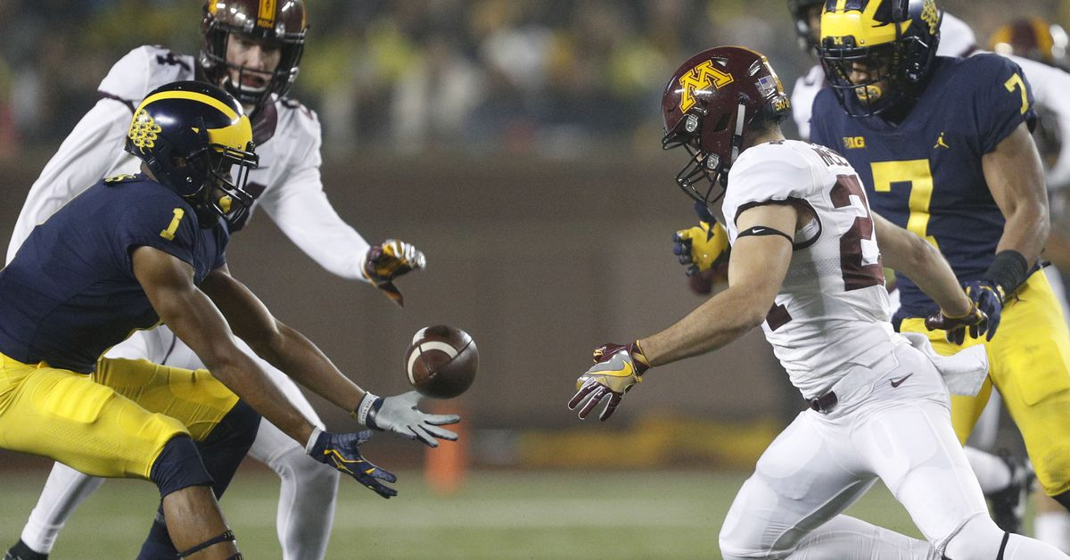 Tuesday Morning Brews: Special teams squeeze - Maize n Brew