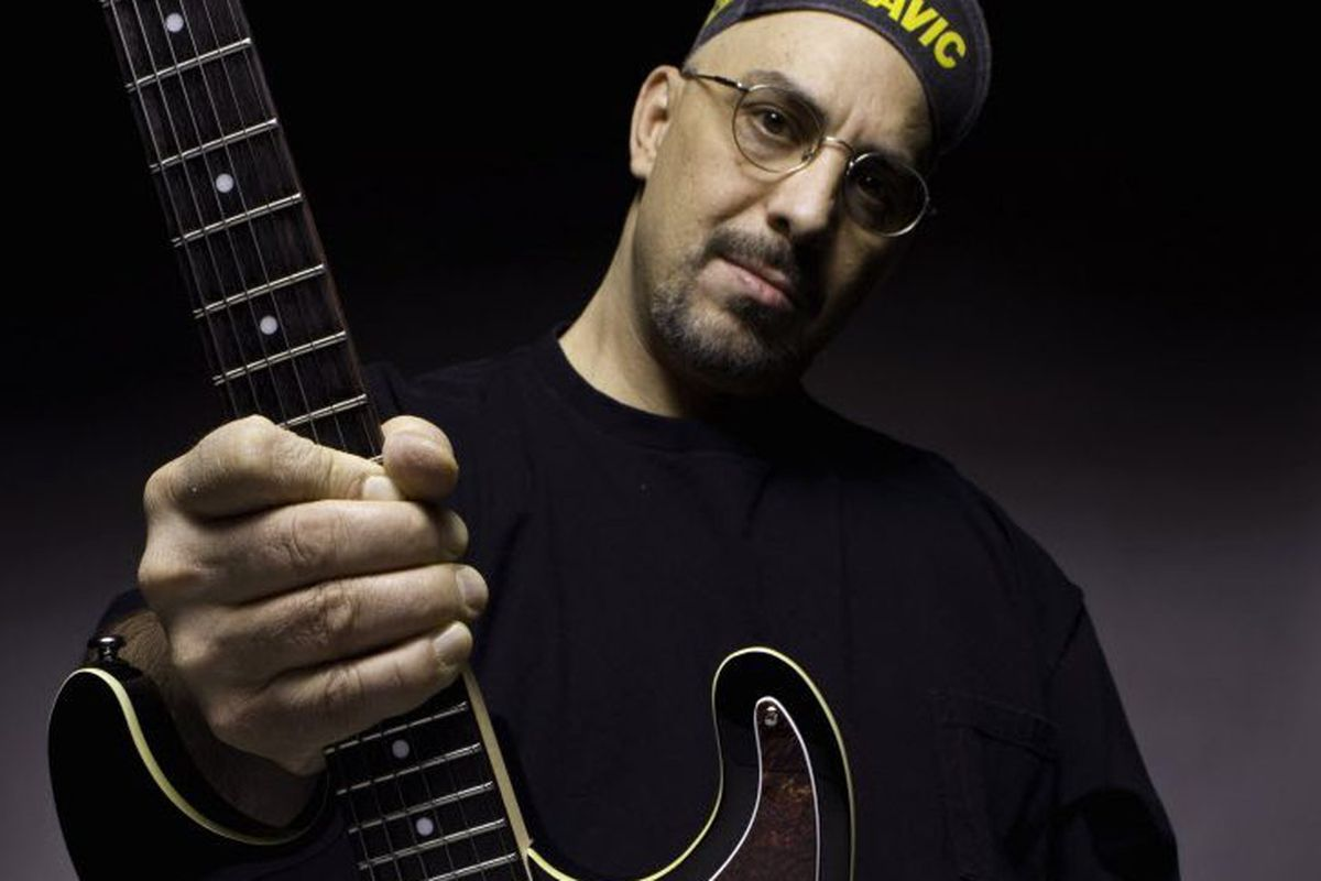 Pat DiNizio, Smithereens lead singer, has died at 62 - Chicago Sun-Times