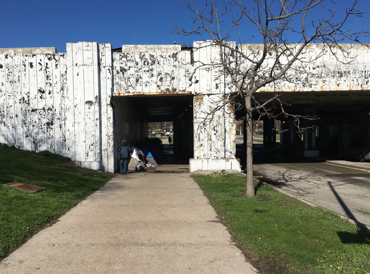 Skeptics say that as people living in this Lake Shore Drive overpass are provided with housing, there are plenthy of other homeless people ready to take their place. | Mitch Dudek/Sun-Times