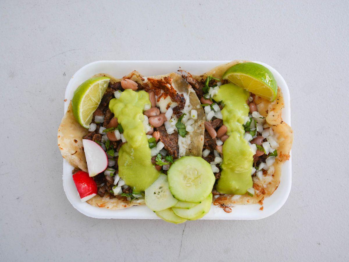 el ruso tacos on plate