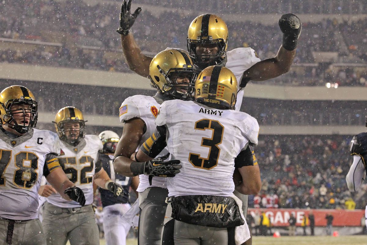 Army looks to rely on a veteran rushing attack as they start off the 2014 season hosting the University of Buffalo.