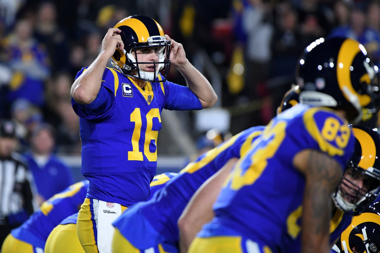 1081703636.jpg.0 - The Rams will wear blue and yellow throwbacks vs. the Patriots in Super Bowl 53