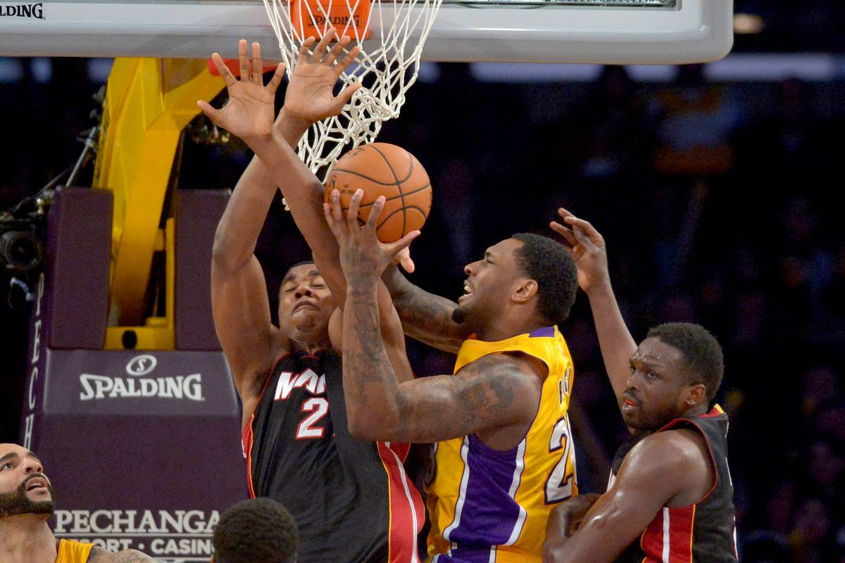 83a73118eb95 HHH GameTime Preview  Heat (26-33) host Lakers (16-43) - Hot Hot Hoops