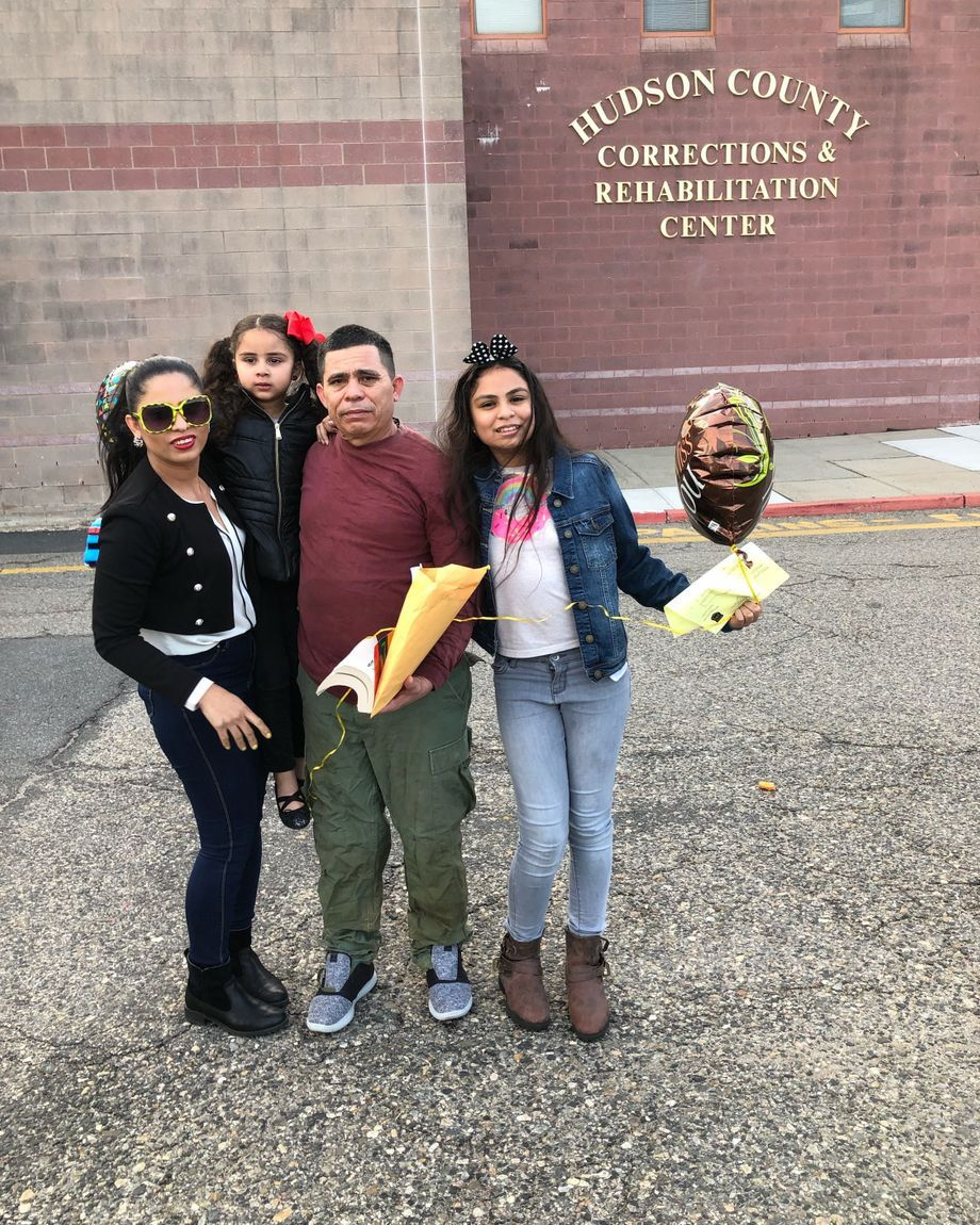 Mario Rivera Caceres with his daughter Bessy Caceres and two granddaughters upon his release from immigration detention on April 30, 2019, at the Hudson County jail.