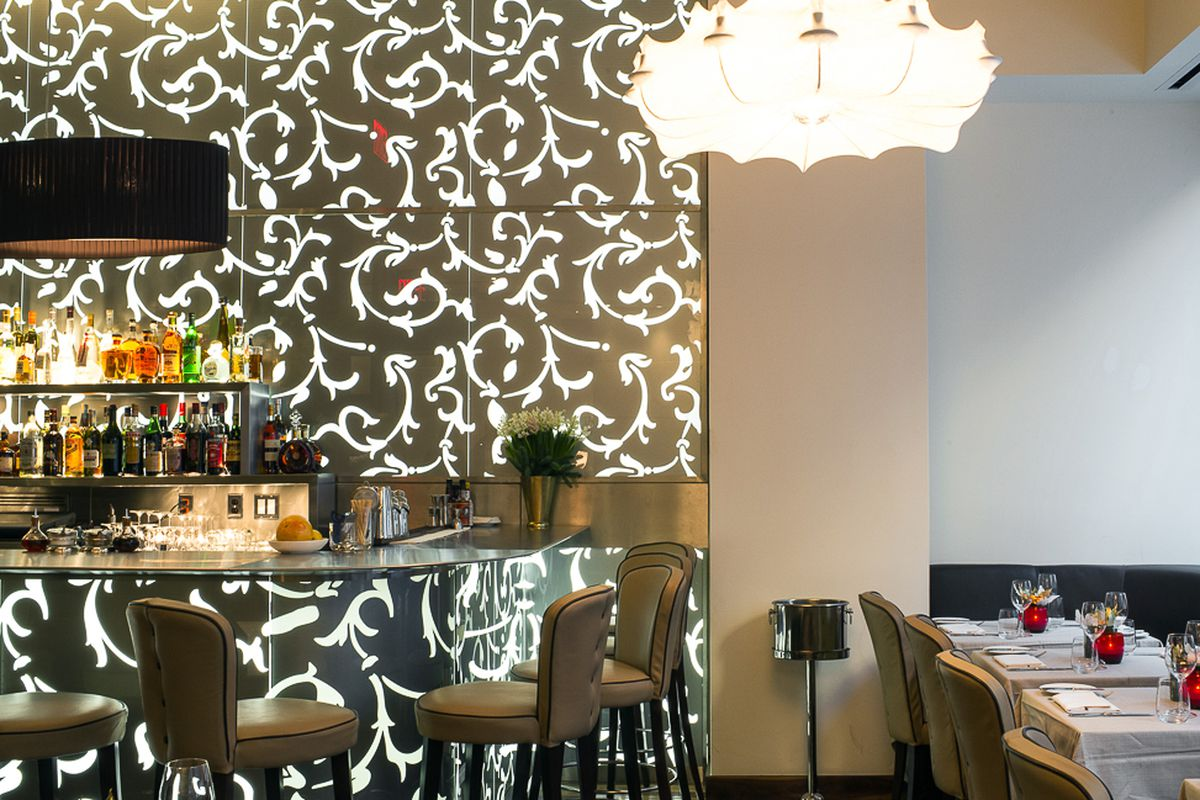 [The bar at Ristorante Morini on the Upper East Side]