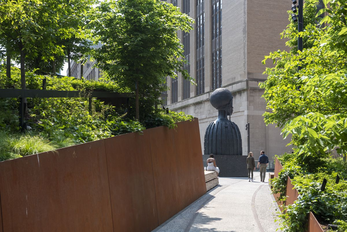 Schenck_High_Line_Spur_2019_05_31_DSC_0228 The High Line Spur, the final section of the elevated park, opens