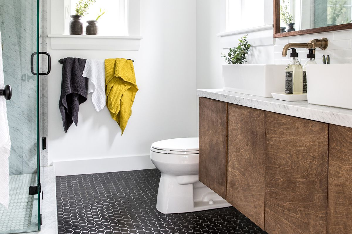 a Cape Cod-style remodel in Cumberland Foreside, ME, master bathroom