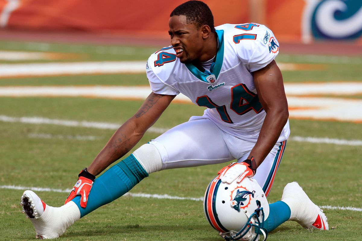 Can wide receiver Marlon Moore do enough to make the Miami Dolphins' 53-man roster this preseason?