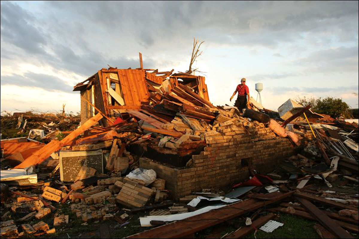 """The damage seen in Smithville, MS, is unfathomable. Image via <a href=""""http://toledoblade.com/image/2011/04/28/800x_b1_cCM_z_%232235/smithville-tornado.jpg"""">Toledo Blade</a>"""