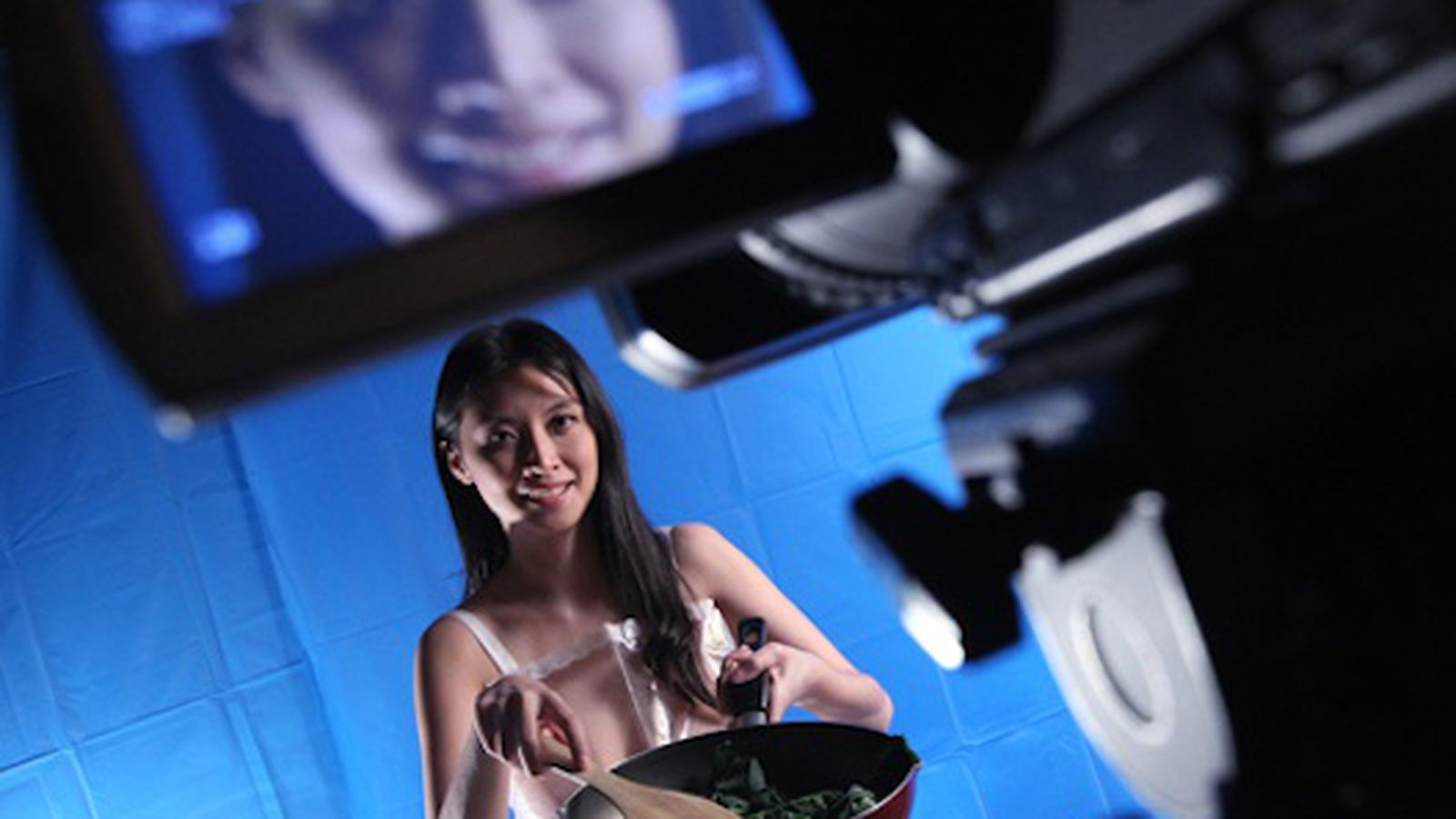 Naked Lady Cooking Show Coming to Hong Kong - Eater