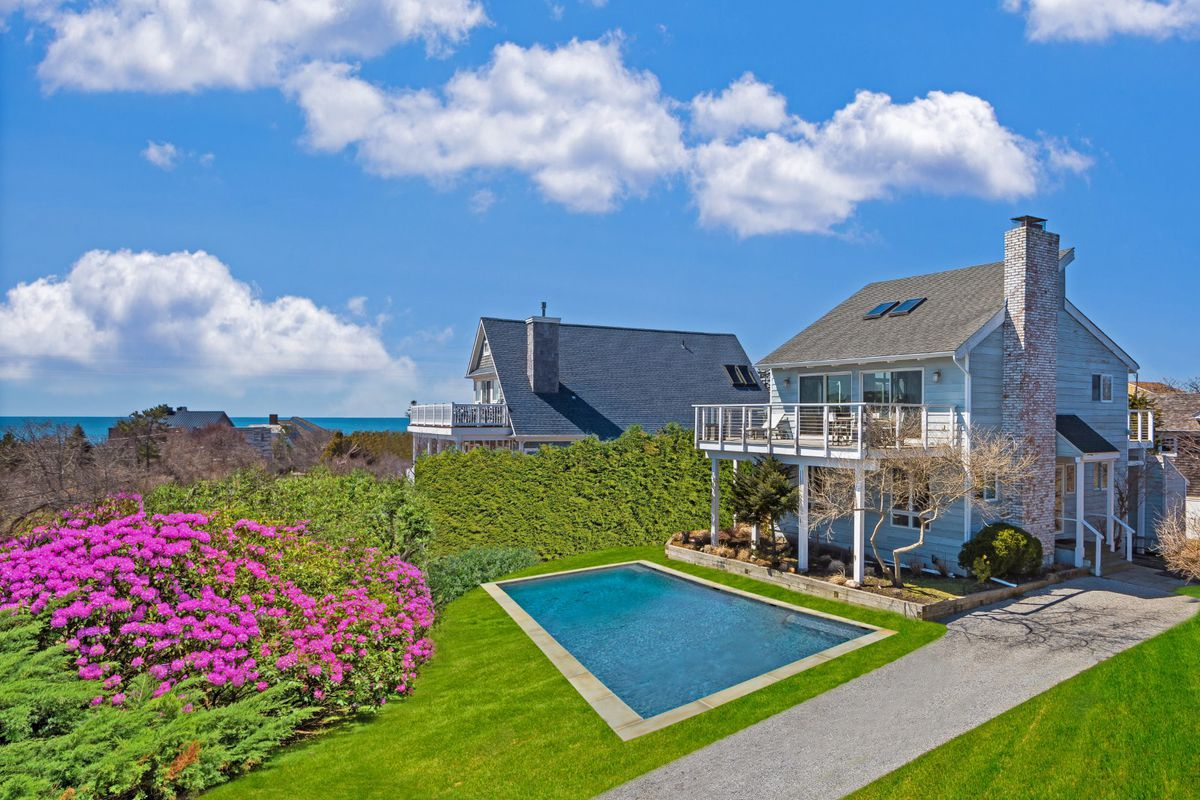 New montauk beach house hits the market asking for Hamptons beach house for sale