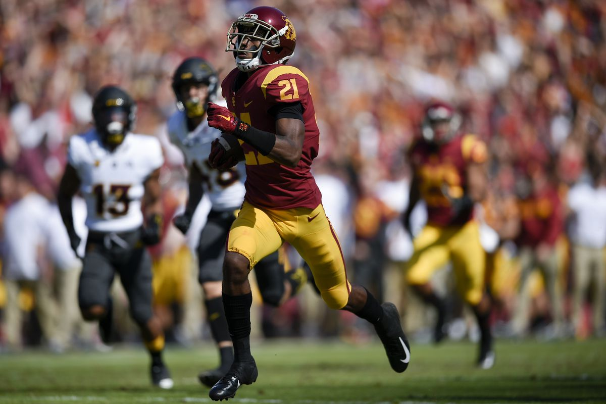 Usc Football Tyler Vaughns Named To Hornung Award Watch