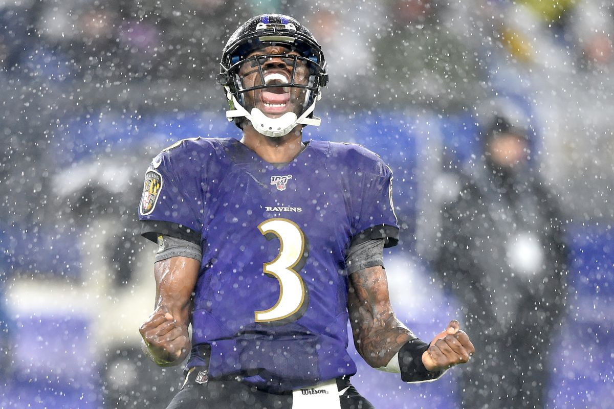 Baltimore Ravens quarterback Robert Griffin III celebrates a touchdown in the second quarter against the Pittsburgh Steelers at M&T Bank Stadium
