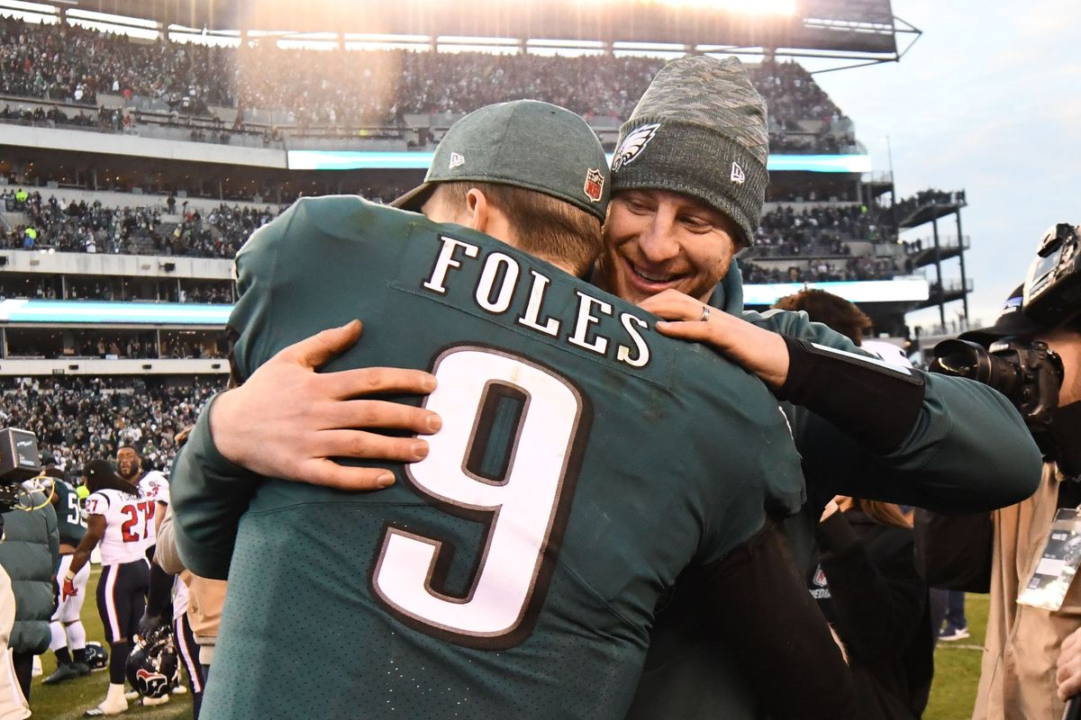 1e7e6fed Eagles News: Former NFL player talks about why the Eagles were right to  keep Carson Wentz over Nick Foles