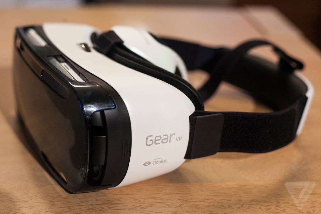 Samsung S Gear Vr Is A Portable Oculus Rift For The Galaxy