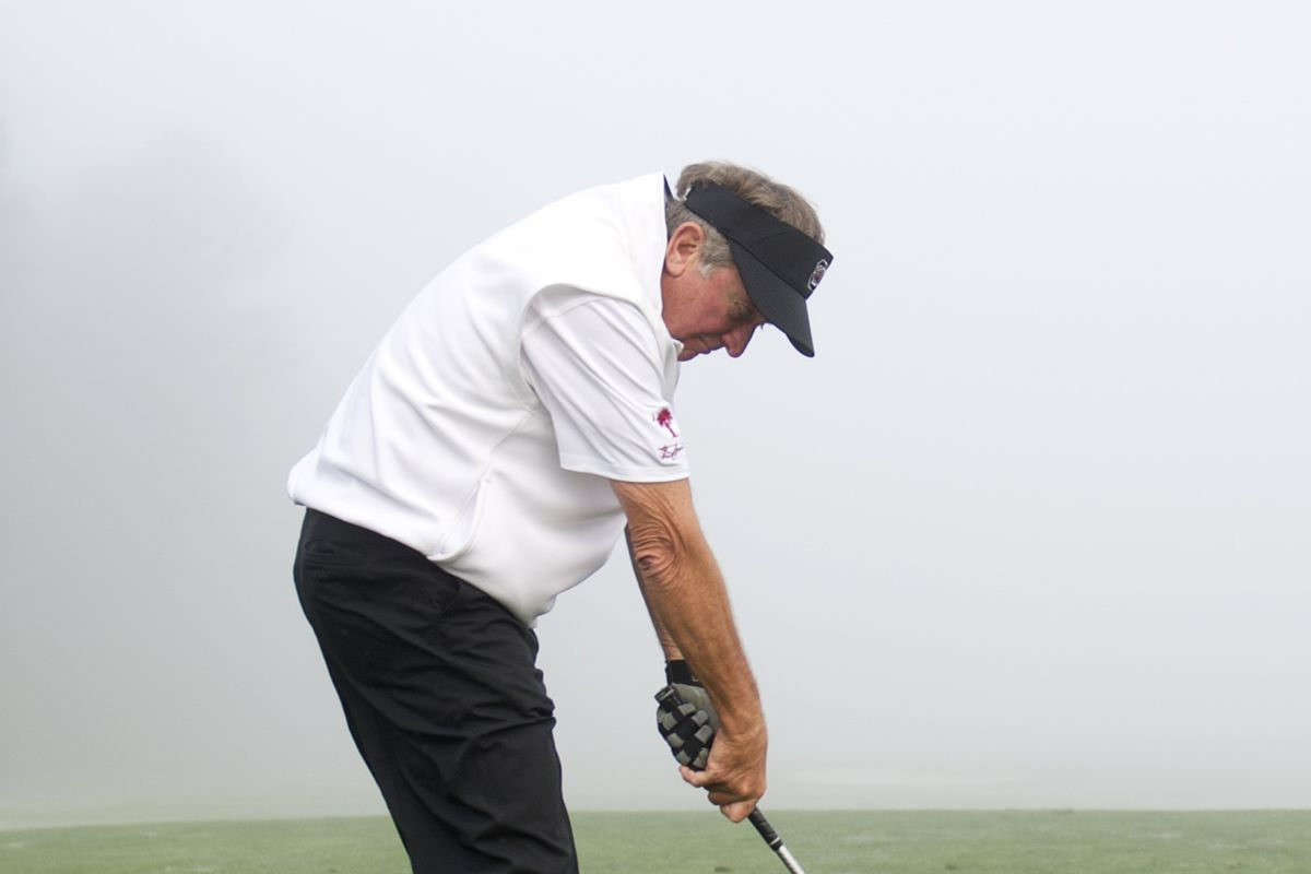 No pictures of Kaiwan in the database, so here's Spurrier chunking a shot.