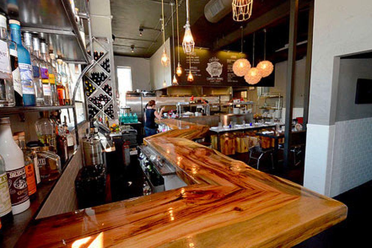 cafe|bar
