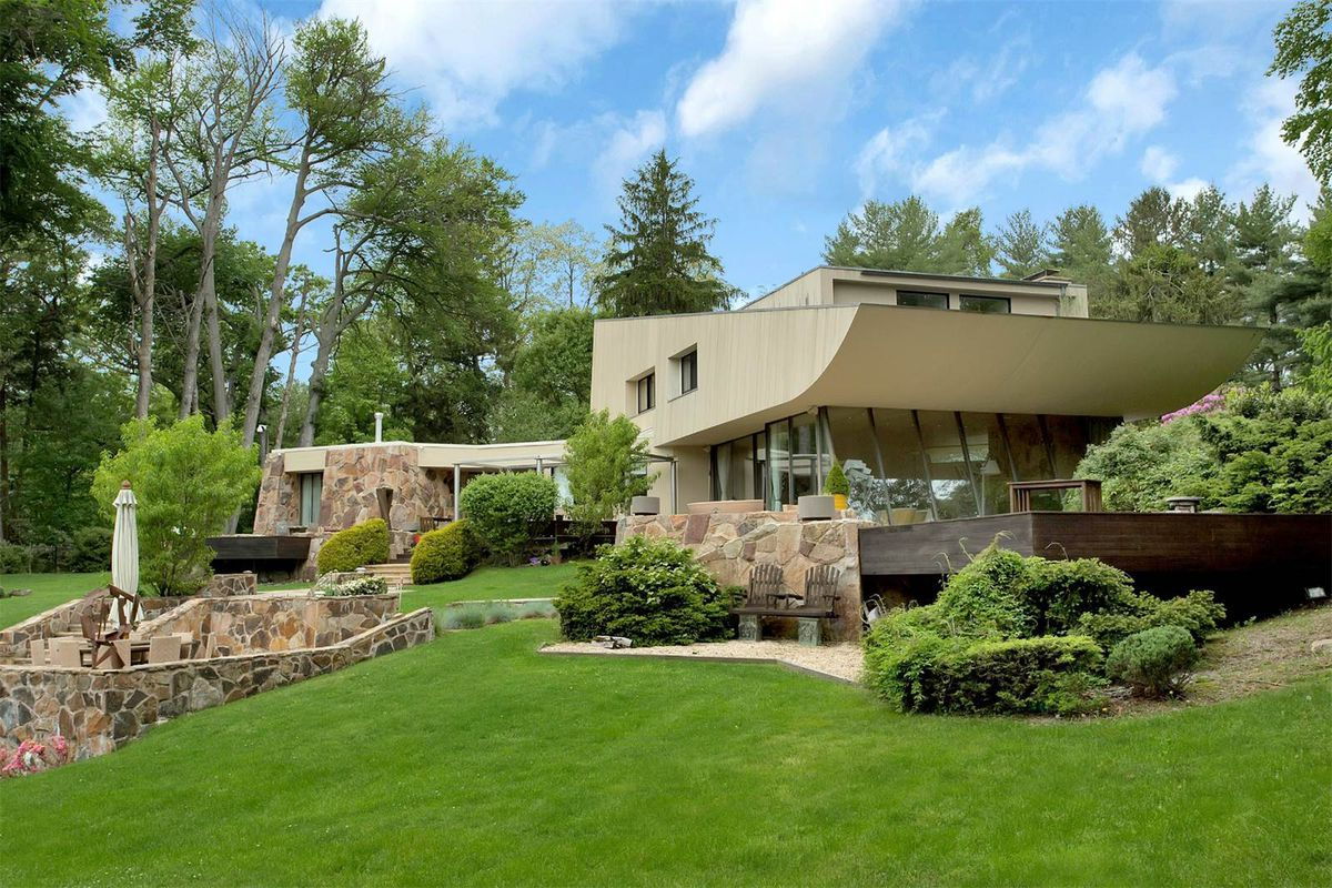 Sculptural Norman Jaffe home on two acres asks just under ...