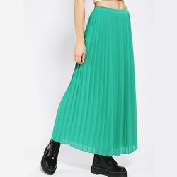 """<strong>Sparkle & Fade</strong> Pleated Chiffon Maxi Skirt, <a href=""""http://www.urbanoutfitters.com/urban/catalog/productdetail.jsp?id=20467742"""">$59</a> at Urban Outfitters"""