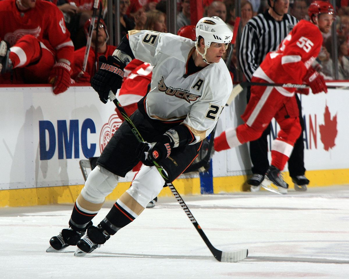 Anaheim Ducks v Detroit Red Wings - Game Five