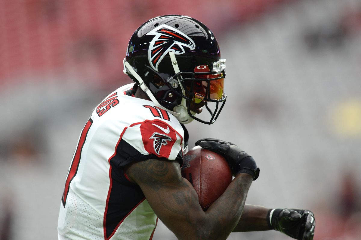 Atlanta Falcons wide receiver Julio Jones warms up prior to the game against the Arizona Cardinals at State Farm Stadium.