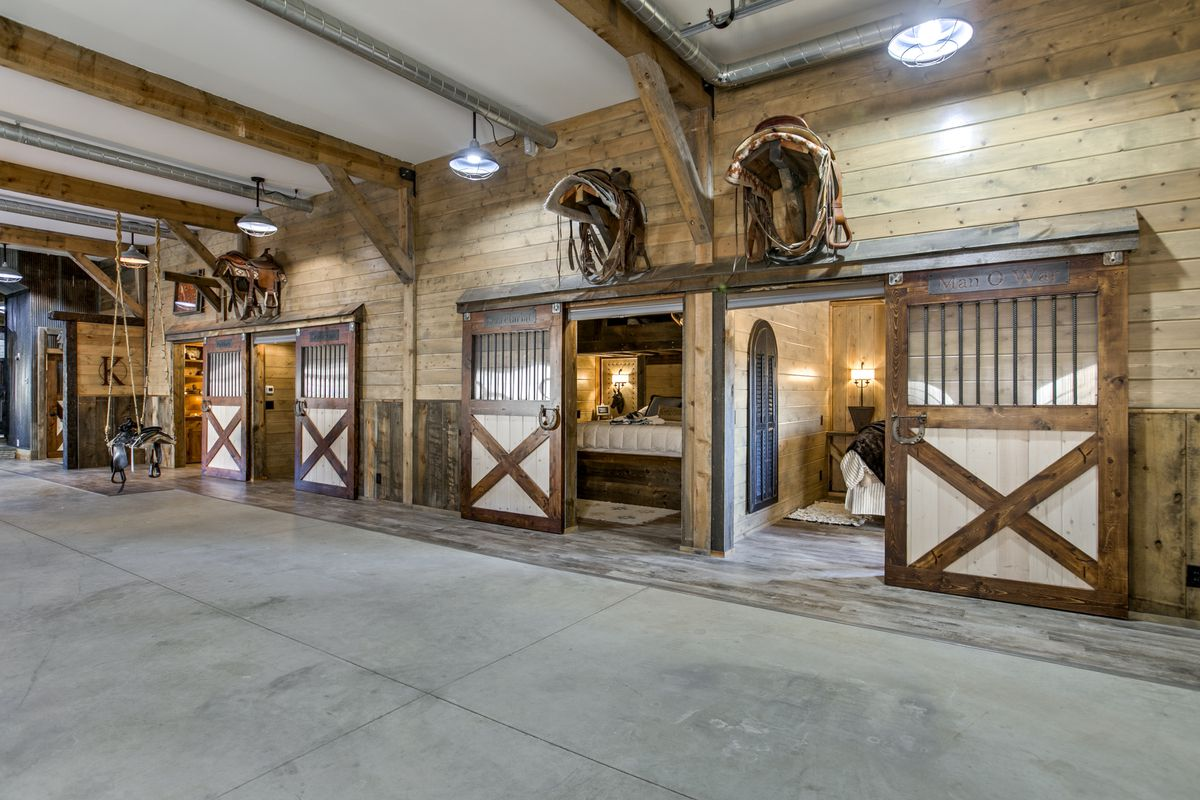 Barn House For Sale In Nebraska Has Horse Stalls For Bedrooms Curbed