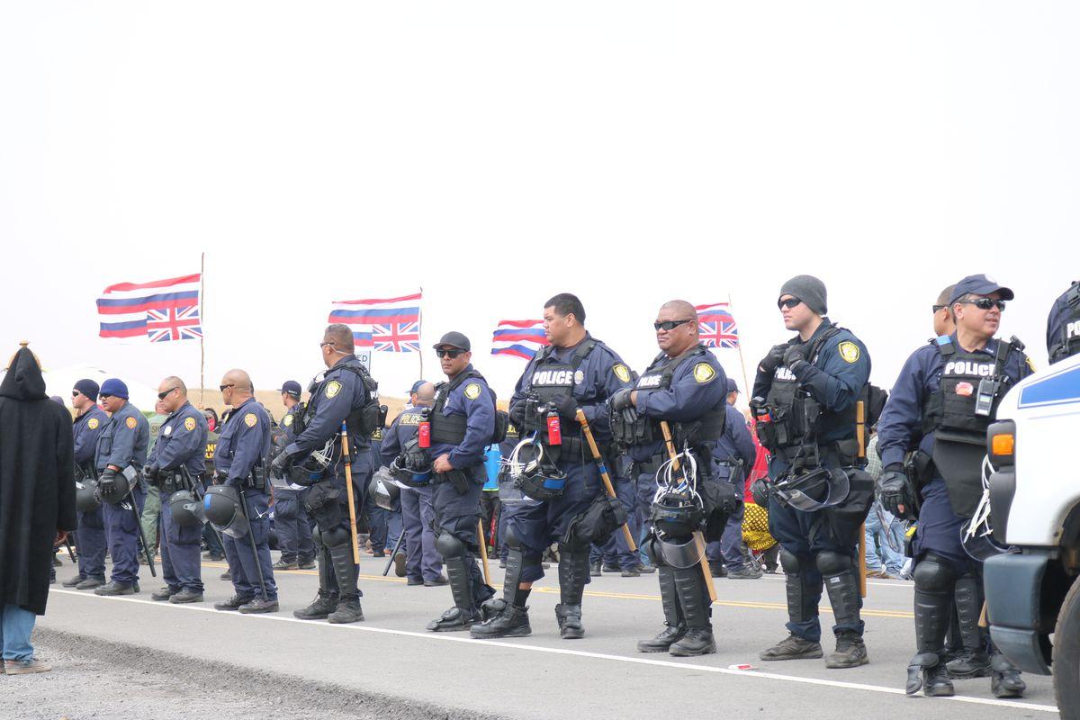 A line of law enforcement at Maunakea