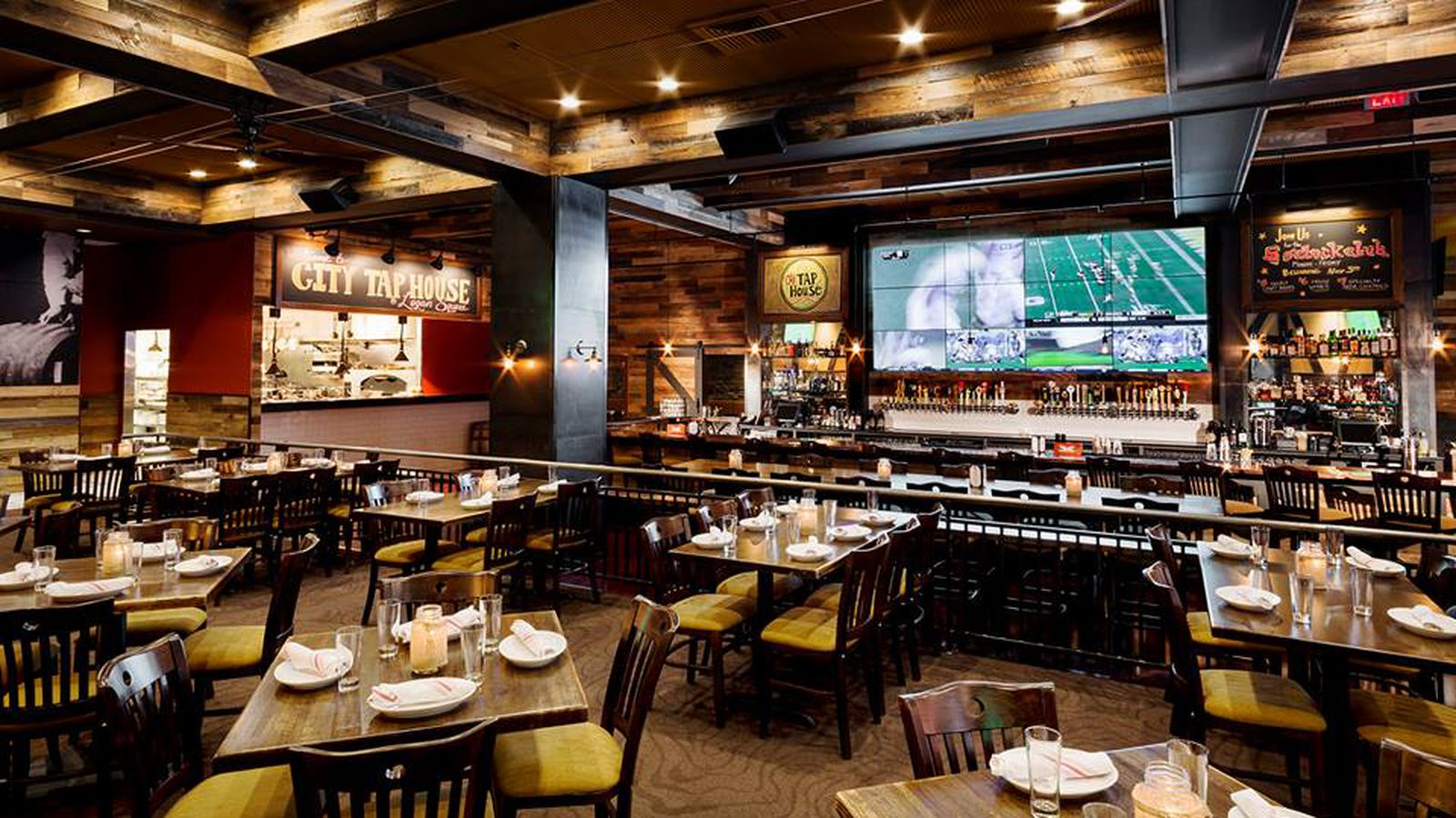 17 Sports Bars In Philly To Watch Nfl And College Football