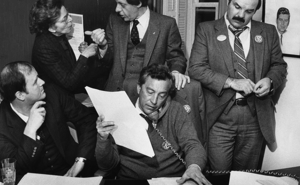 Ald. Edward R. Vrdolyak talks on the phone on Election Night at the Bismarck Hotel's Democratic Party Headquarters in 1982.
