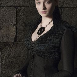Season 4: In which some dye and a thirst for vengeance turns her into goth Sansa.