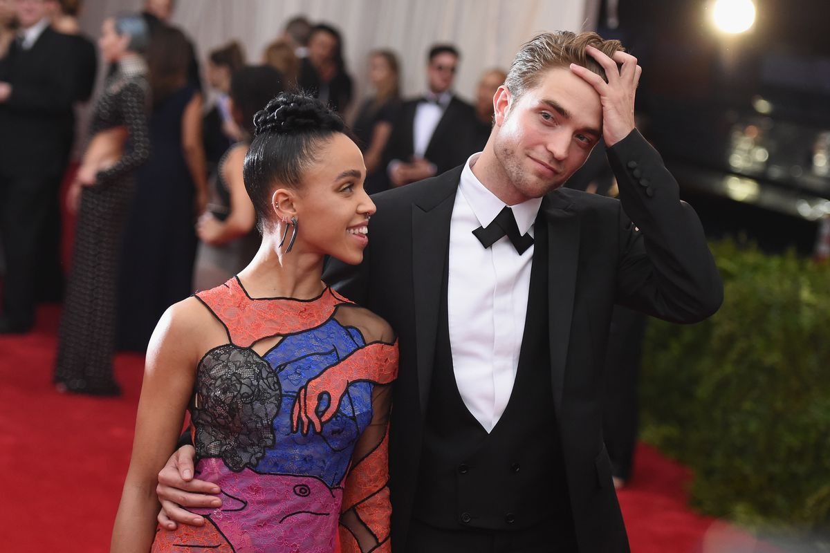 hvem er dating rob pattinson