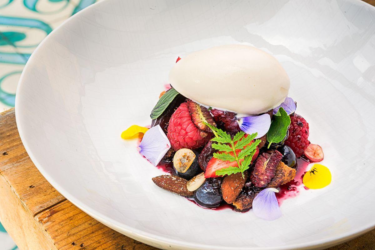 A dessert from Masseria [Photo: R. Lopez]