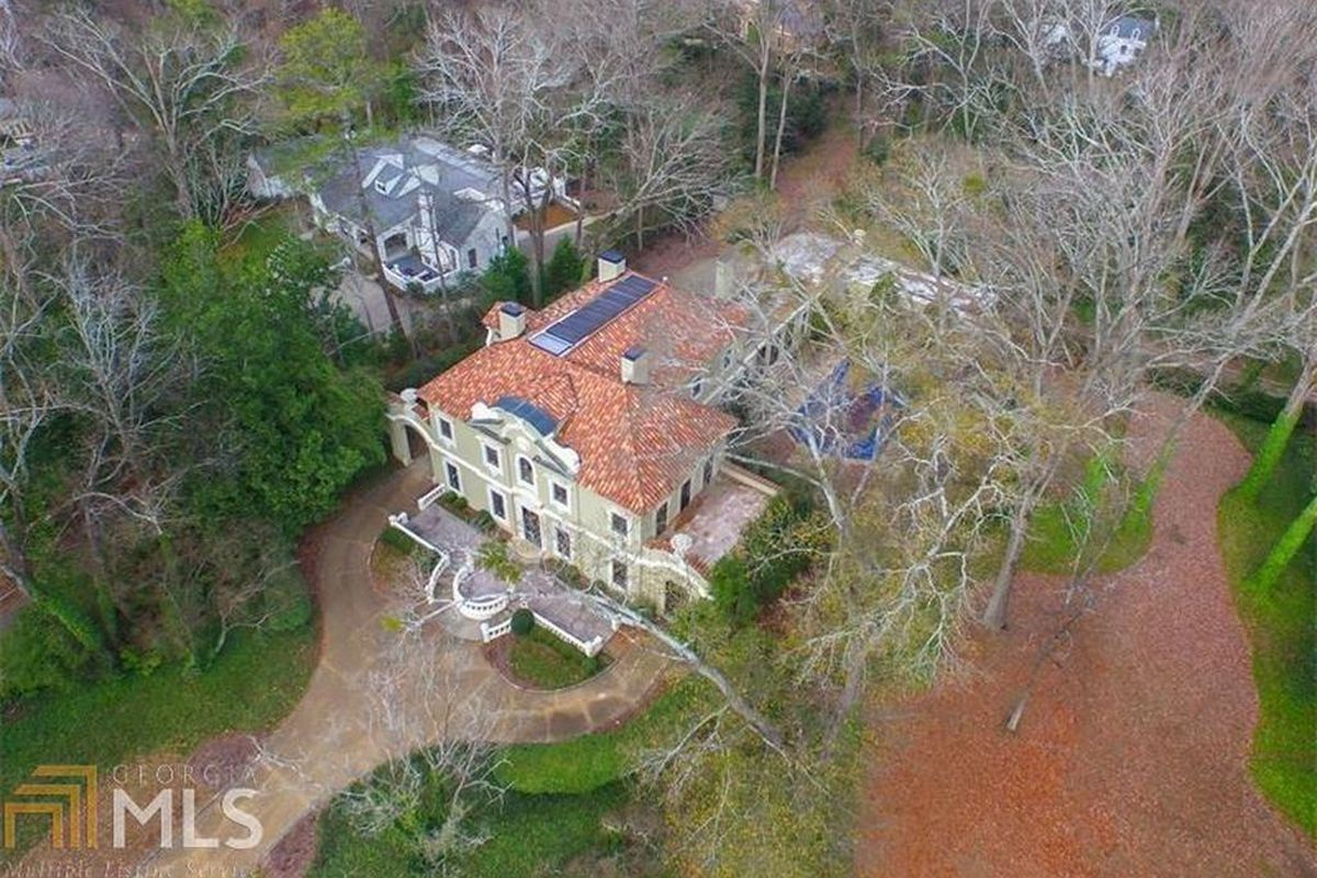 Buckhead S Pink Palace Under Contract In Less Than A Day
