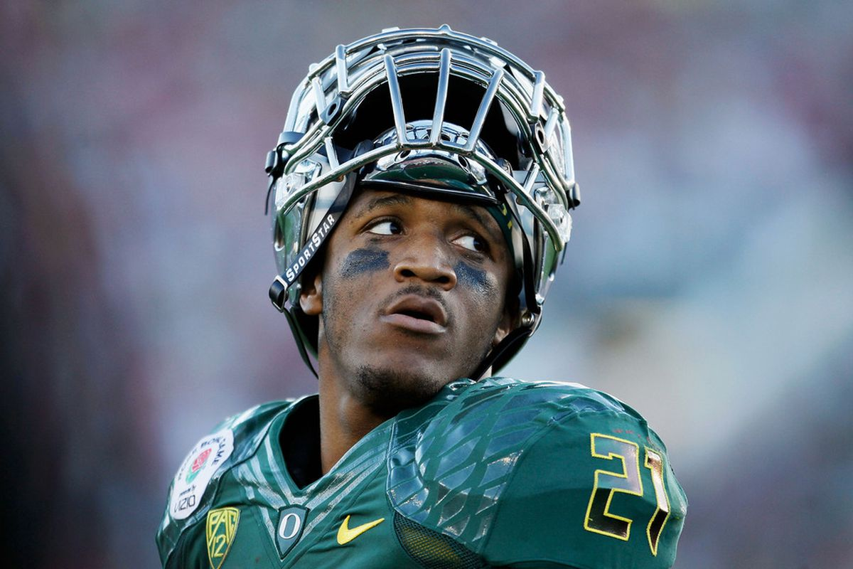 PASADENA, CA - JANUARY 02:  Running back LaMichael James #21 of the Oregon Ducks looks on during the second half against the Wisconsin Badgers at the 98th Rose Bowl Game on January 2, 2012 in Pasadena, California.  (Photo by Jeff Gross/Getty Images)