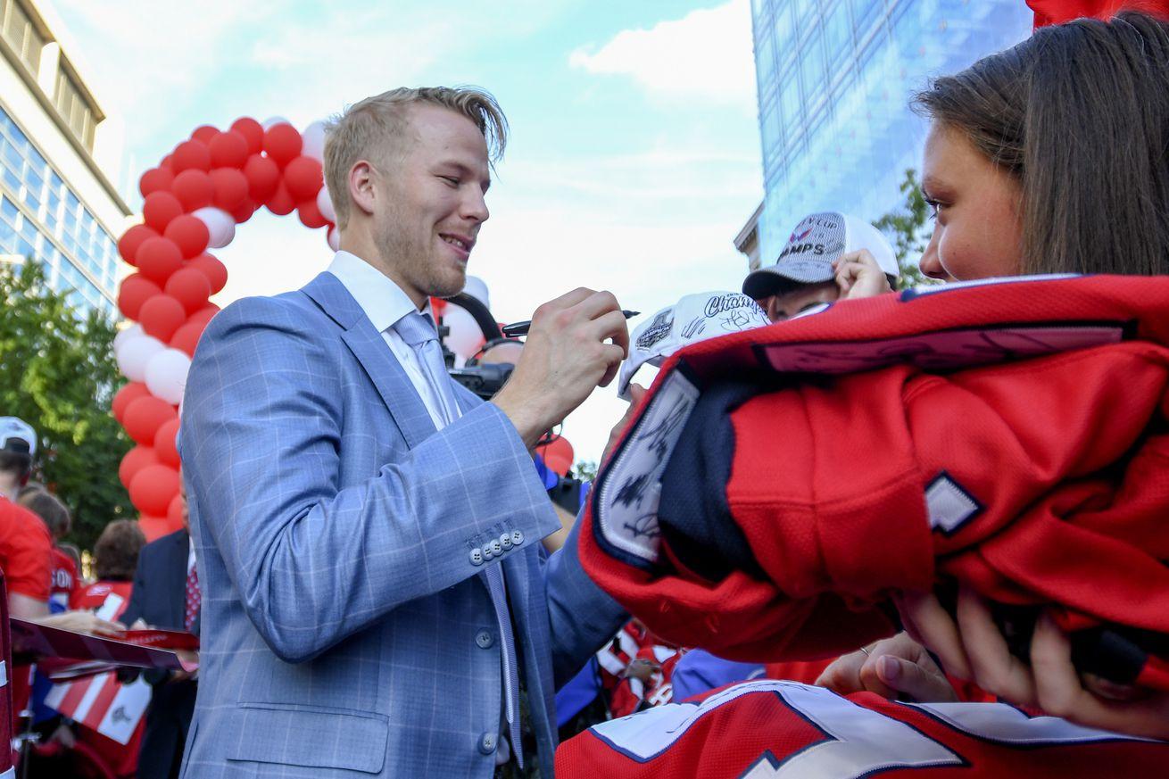 NHL: OCT 03 Bruins at Capitals