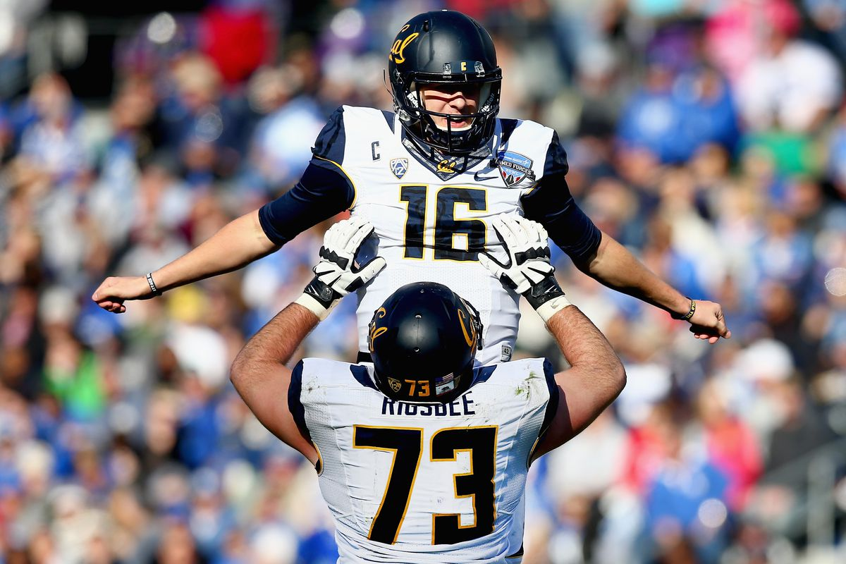 Jared Goff Adds A 6 Touchdown Bowl Hammering Of Air Force To His Nfl Draft Resume Sbnation Com