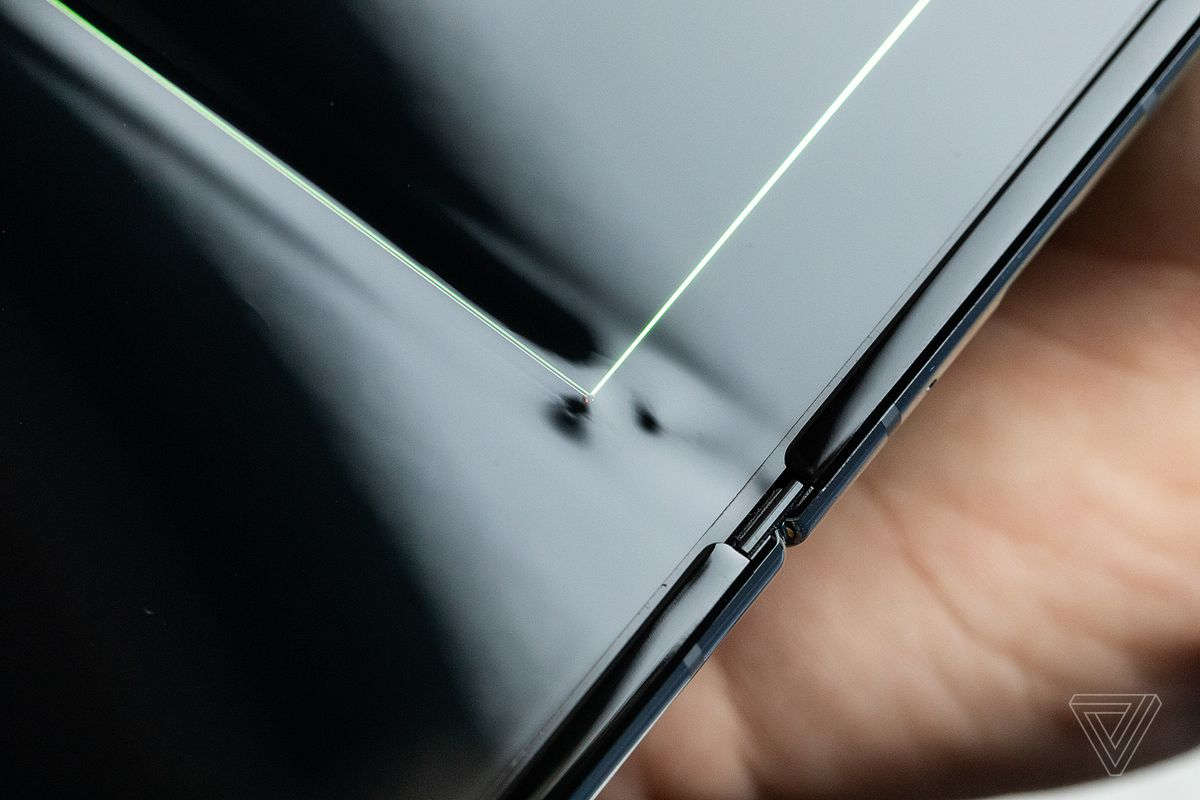 My Samsung Galaxy Fold screen broke after just a day - The Verge