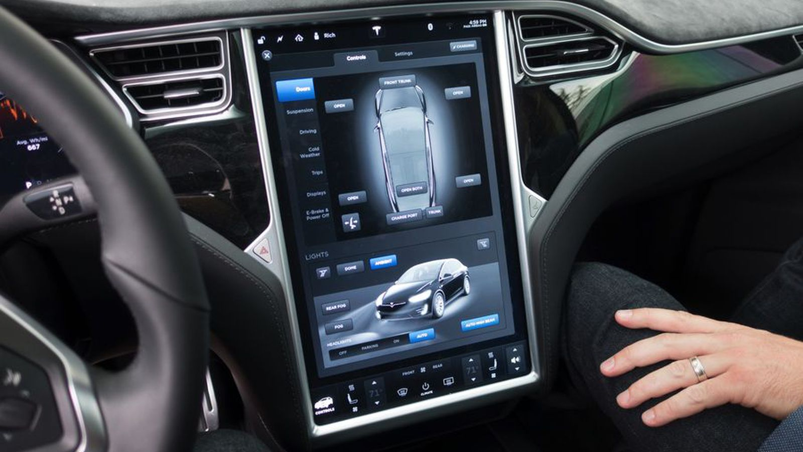 Latest Tesla Software Update >> Tesla owners are ignoring autopilot safety advice and putting the results on YouTube - The Verge