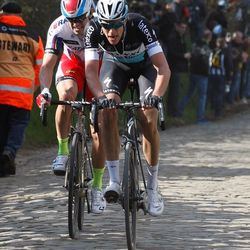Terpstra leads Kristoff up the Oude Kwaremont