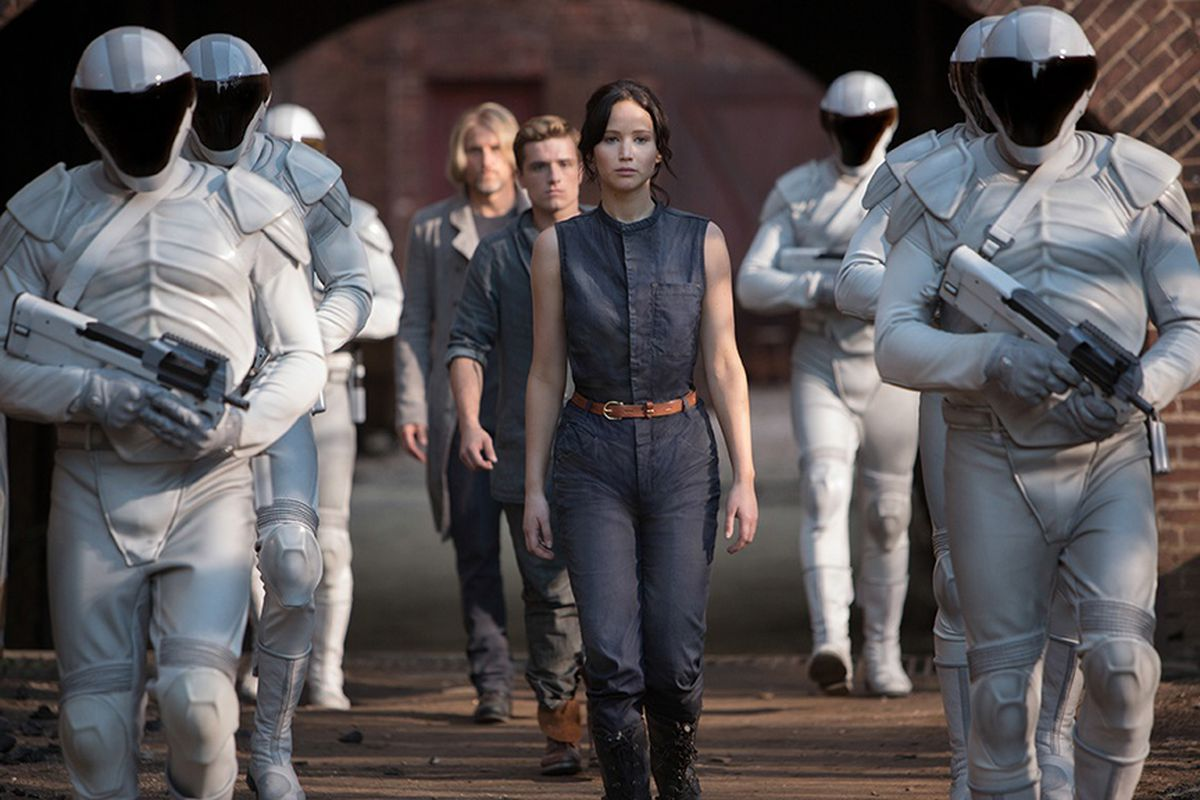 Soon you will no longer be able to watch The Hunger Games: Catching Fire on Netflix.