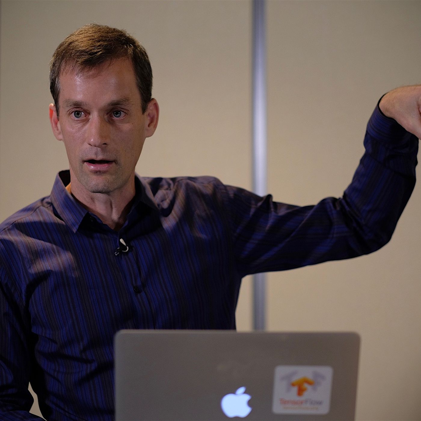 Google veteran Jeff Dean takes over as company's AI chief - The Verge