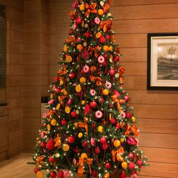 Every year, the Four Seasons hosts the Georgetown Jingle, a charity event where interior designers decorate Christmas trees to raise funds for the pediatric oncology program at Georgetown University Hospital. One of these designer trees is always statione