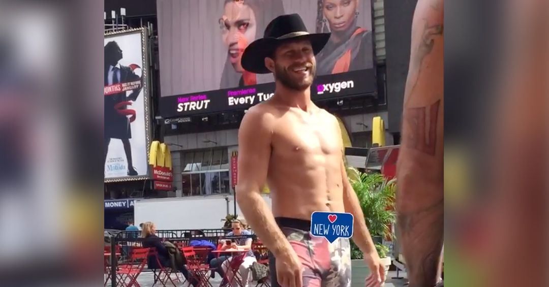 The Weekly Grind: Donald Cerrone gives Time Square's 'Naked Cowboy' a run for his money