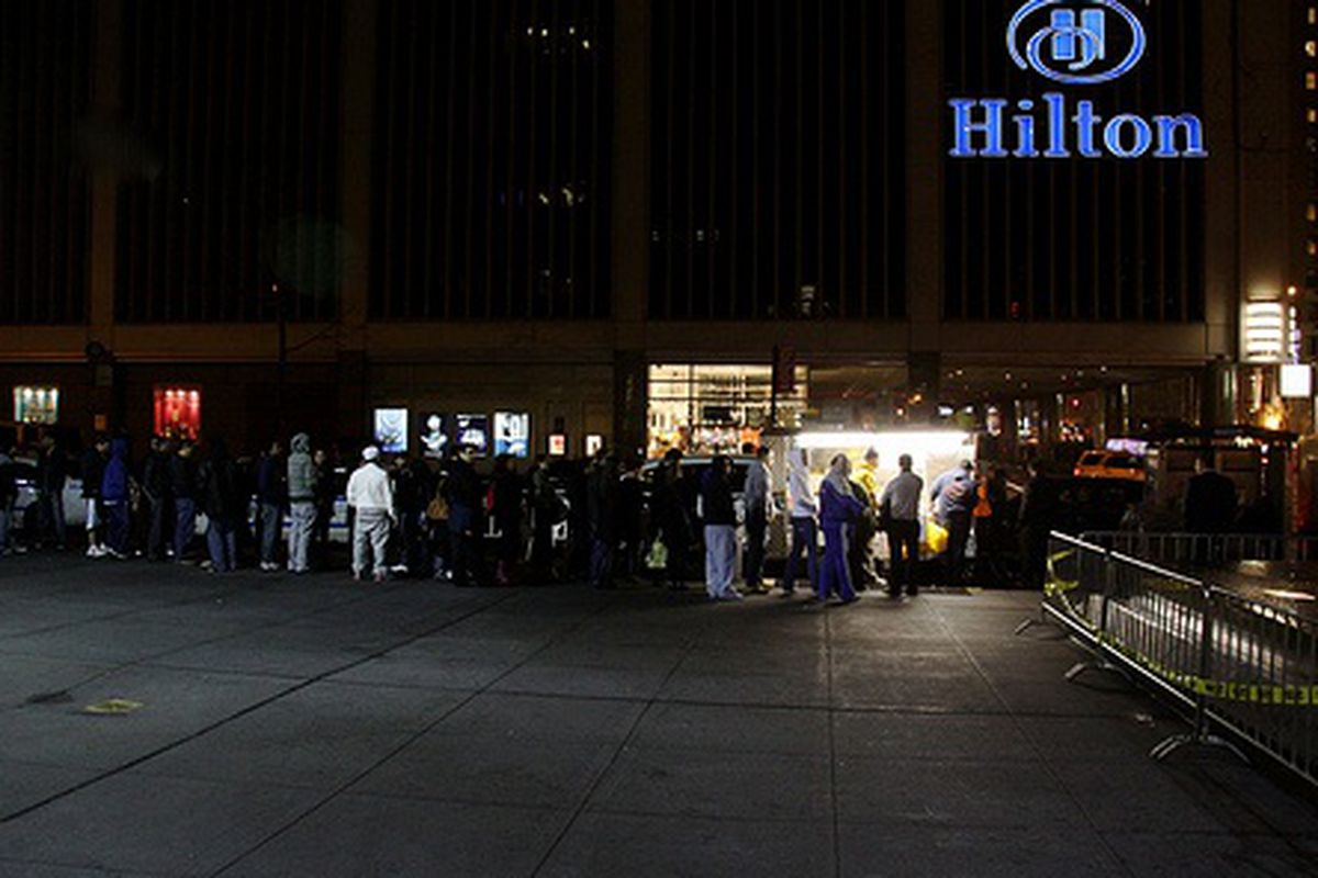 Line Outside Halal Cart at 53rd and 6th