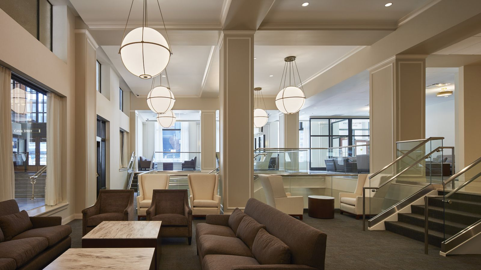 Taxi New York >> A Look at Amtrak's New Metropolitan Lounge at Union Station - Curbed Chicago